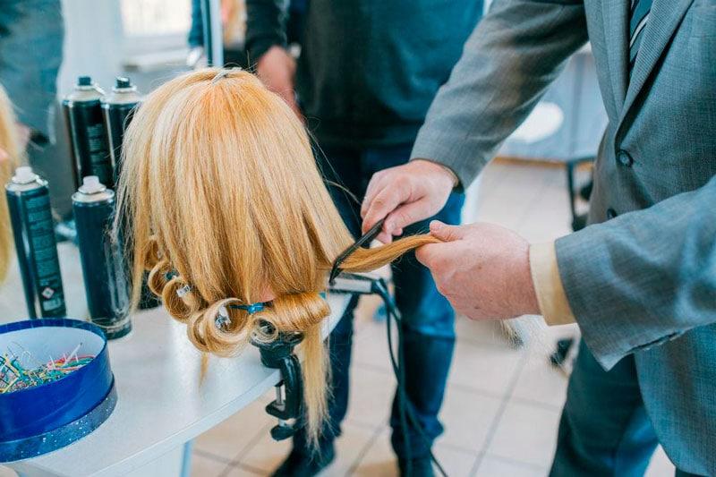 cuidado de pelucas de pelo sintético