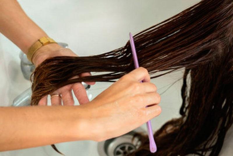 prevenir enredos en una peluca oncológica